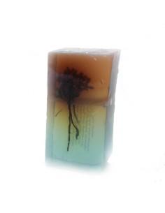Savon aspect minéral avec inclusion de fleur d'immortelle